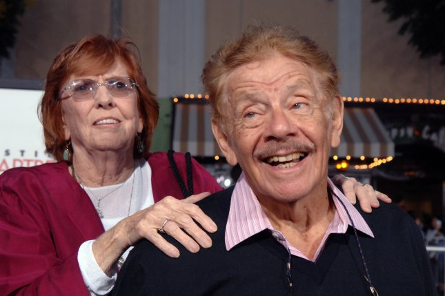 Jerry Stiller (L) and his wife, Anne Meara, arrive for a movie premiere in 2007. File Photo by Jim Ruymen/UPI