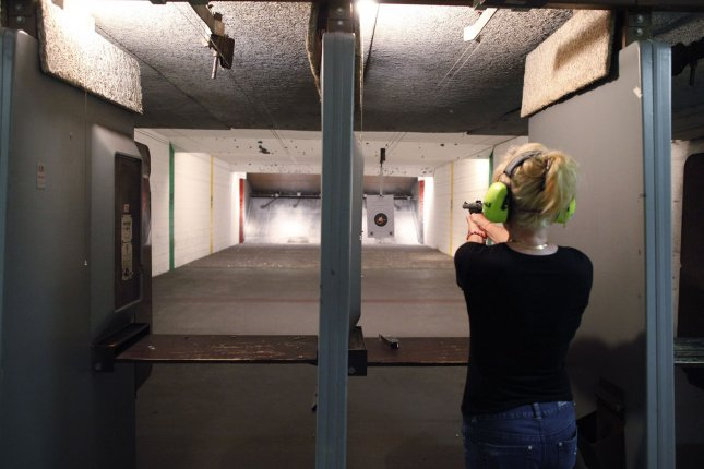 Man accidentally shoots himself at NRA event