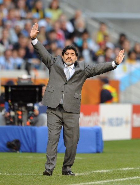 maradona dropped as argentina coach upi