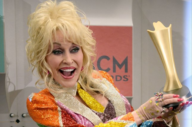 Dolly Parton removes 'Dixie' from Stampede dinner show