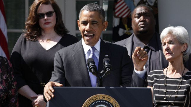 U.S. President Barack Obama delivers a statement in the Rose Garden in Washington after his meeting with Americans who will benefit from the opening of Health Insurance Marketplaces and being able to comparison shop for the health plans as a result of the Affordable Care Act on October 1, 2013. UPI/Yuri Gripas.