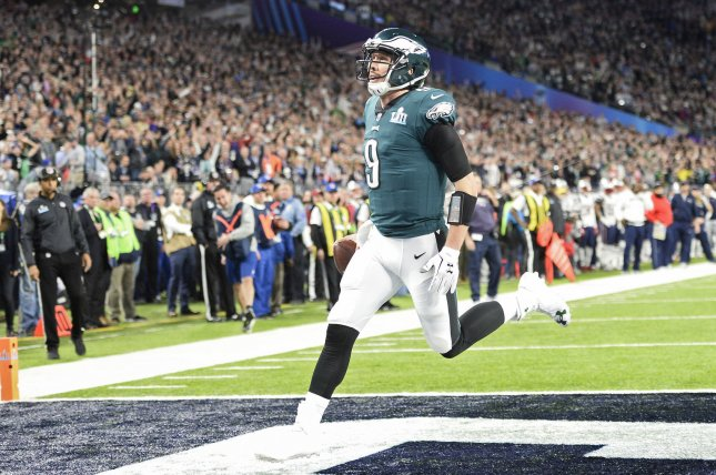 Philadelphia Eagles quarterback Nick Foles (9) catches a touchdown against  the New England Patriots during the second quarter of Super Bowl LII on  Sunday ... 5d5acbe36