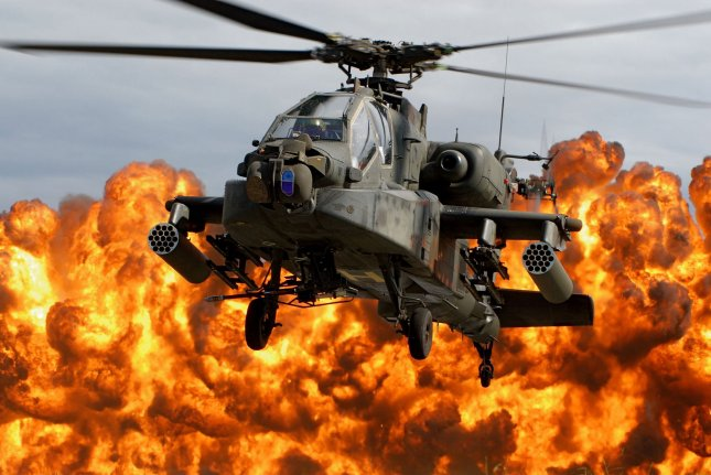 A South Carolina Army National Guard AH-64D Apache Longbow lands during the Combined Arms Demonstration during the South Carolina National Guard Air & Ground Expo 2009 at McEntire Joint National Guard Base in Eastover, South Carolina on October 10, 2009. UPI/Roberto Di Giovine/U.S. Army
