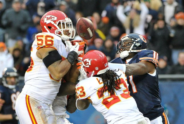 Former Chiefs LB Derrick Johnson reportedly agrees to terms with Oakland Raiders