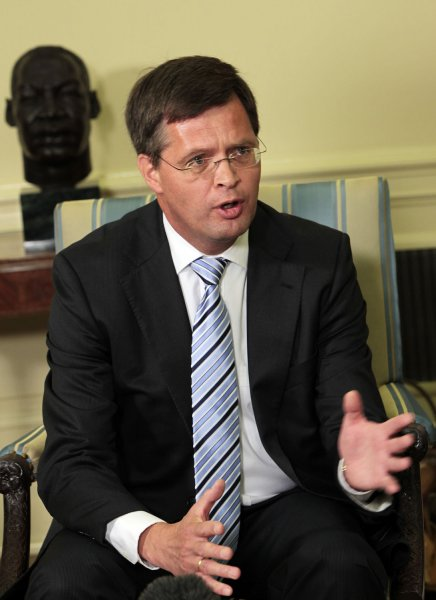 Prime Minister Jan Peter Balkenende of the Netherlands speaks to the press during meeting with U.S. President Barack Obama (not shown) in the Oval Office of the White House, Washington, DC, July 14, 2009. (UPI Photo/Aude Guerruci/Pool)