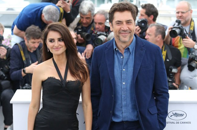 Penelope Cruz (L) and Javier Bardem attend a Cannes International Film Festival photocall for Everybody Knows on Wednesday. Photo by David Silpa/UPI