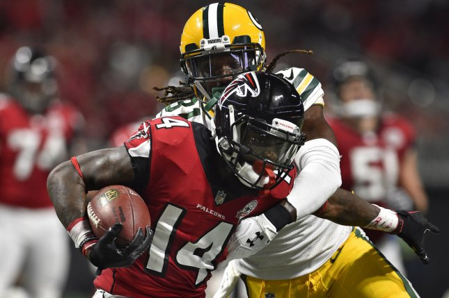 Packers re-sign Davon House to 1-year deal