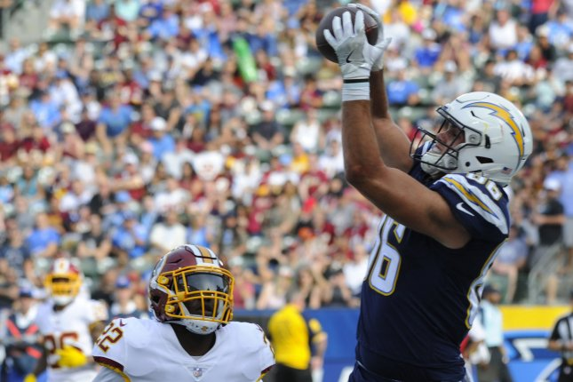 Los Angeles Chargers tight end Hunter Henry (86) catches a pass for a touchdown in the first half against the Washington Redskins on December 10, 2017 at the StubHub Center in Carson, California. Photo by Lori Shepler/UPI