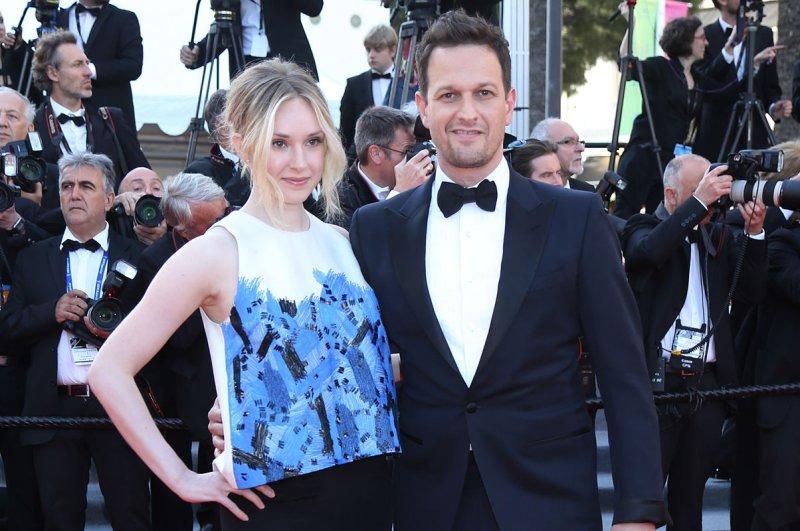 'The Good Wife' alum Josh Charles announces daughter's birth