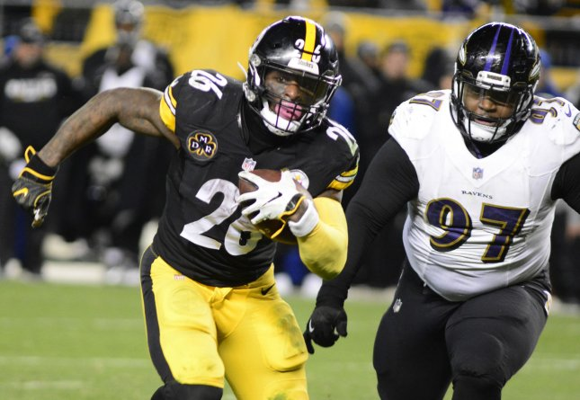 Rooney: Steelers seek long-term deal for Le'Veon Bell