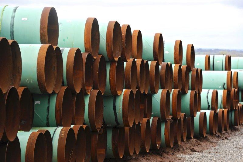 Federal judge in Montana halts Keystone XL pipeline for