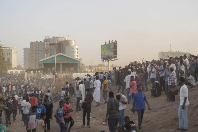 Up to 20 people were killed in the past two days as thousands of anti-government protesters in Sudan continued to demand that President Omar al-Bashir step down. Photo by Stringer/EPA-EFE