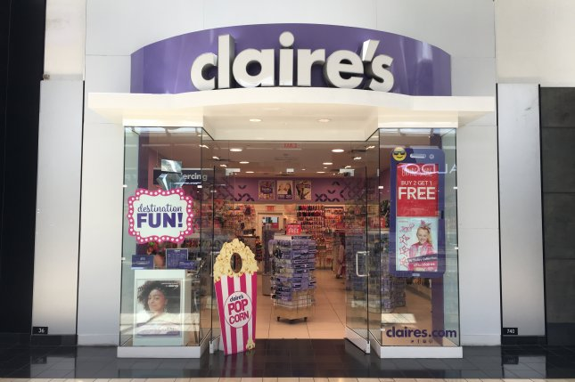 Claire's at International Mall Miami on May 18, 2017. Photo by Phillip Pessar/Flickr
