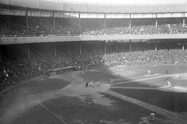 On This Day: World Series airs on radio for first time