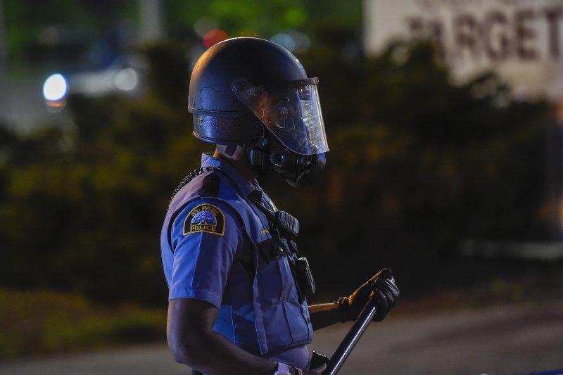 https://cdnph.upi.com/svc/sv/upi_com/1791590746556/2020/3/c792a923f821aee1473cf19709de01db/Minneapolis-cop-seen-kneeling-on-George-Floyd-charged-with-murder.jpg