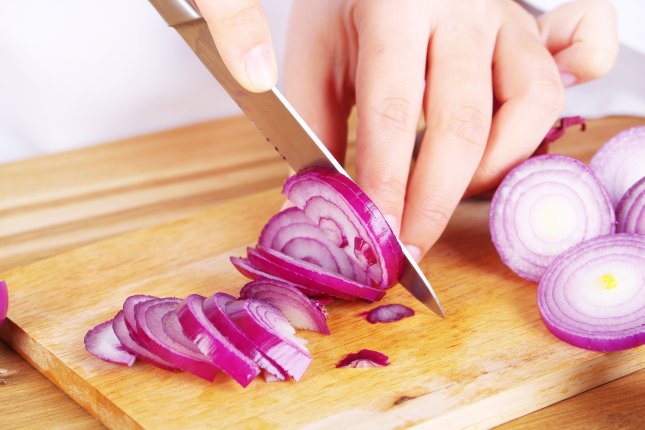 To simplify language, France changes spelling of 'onion,' hundreds of other words