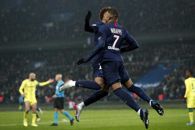 Paris Saint Germain stars Kylian Mbappe (R) and Neymar Jr (L) scored the only goals of the game during a Ligue 1 win Wednesday in Paris. Photo by Ian Langsdon/EPA-EFE