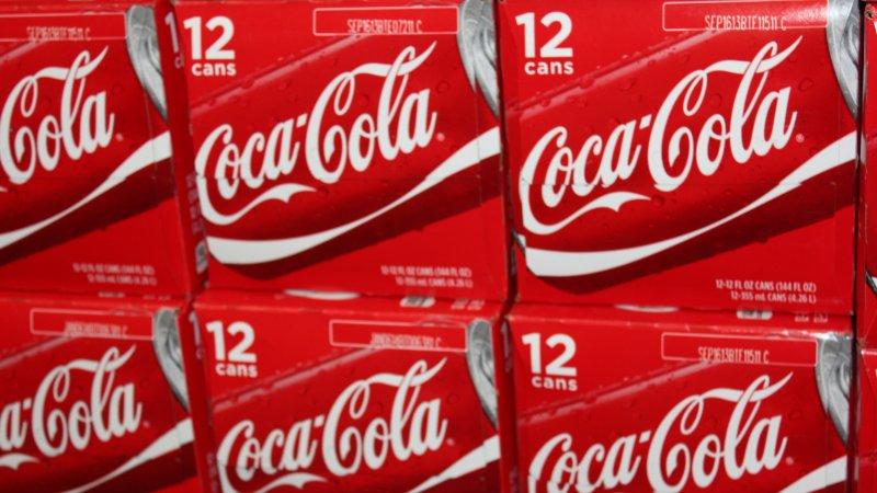 12 pack of coca cola boxes. (UPI/Billie Jean Shaw)