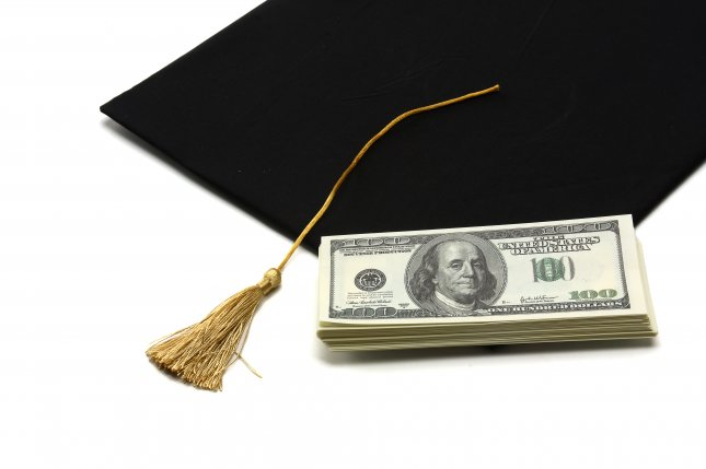 A new report from The Institute for College Access & Success found one in 10 community college students don't have access to federal student loans. Photo by lenetstan/Shutterstock