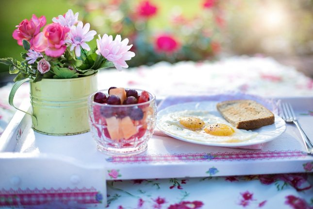 Eating breakfast before 8:30am may reduce risk for diabetes, according to researchers. Photo by jill111/Pixabay