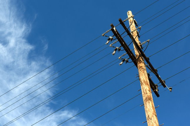 Sale of landlines and cell towers nets Verizon $15 billion ...