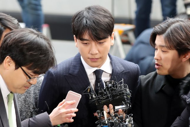 K-pop star Seungri appears at the Seoul Metropolitan Police Agency on March 14. Photo by Yonhap