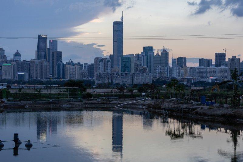 Чиновникам было трудно найти причину сотрясения на SEG Plaza в Шэньчжэне, Китай, в начале этой недели. Землетрясения и структурные повреждения были исключены. Фото Джерома Фавра/EPA-EFE