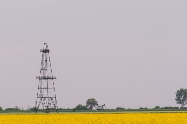 USGS study finds an increase in seismic activity in Oklahoma linked to oil activities in the state. Photo by Calin Tatu/Shutterstock