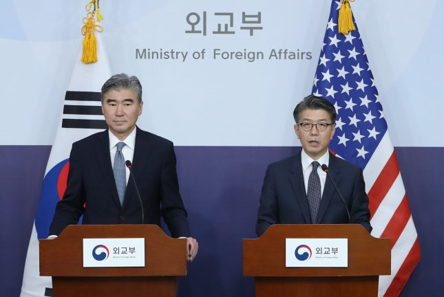 Kim Hong-kyun (R), South Korea's special envoy for Korean Peninsula peace and security affairs, and Sung Kim, the U.S. special envoy on North Korea's nuclear issue, conduct a joint press conference at the foreign ministry in Seoul on Tuesday after holding talks to discuss ways to tackle North Korea's latest and fifth nuclear test on Friday. Photo by Yonhap/UPI