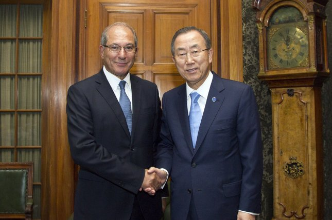 Secretary-General Ban Ki Moon meets with Mr. Ahmet Üzümcü, Director General of the Organisation for the Prohibition of Chemical Weapons (OPCW) on AUgust 28, 2013 at the Hague, Netherlands. (UPI/UN/Rick Bajornas)