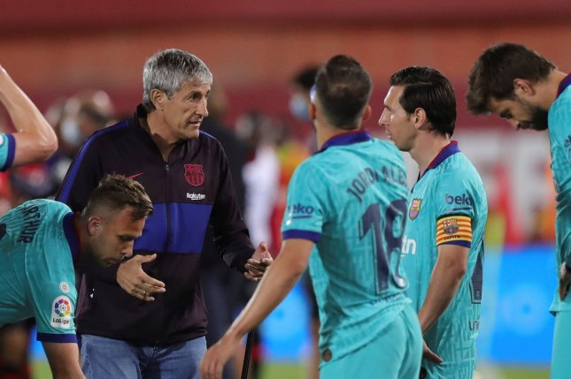 La Liga Slip Leads To Rift Between Barcelona Players Manager Setien Upi Com