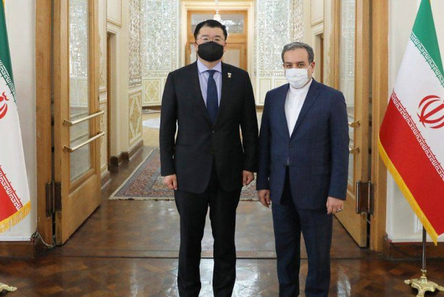 Iranian Deputy Foreign Minister Abbas Araghchi (R) meets with his South Korean counterpart Choi Jong-kun during a session in Tehran, Iran, on Sunday. File Photo by Iranian Foreign Ministry/EPA-EFE