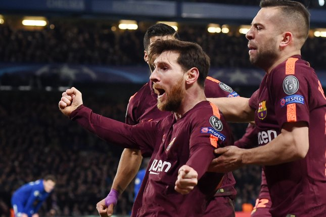 2c91332d381 Barcelona s Lionel Messi (C) celebrates with teammate Jordi Alba (R) after  scoring during the UEFA Champions League Round of 16