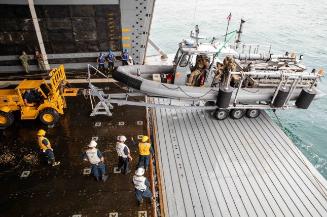 Unmanned systems used to detect mines in U.S. Navy's Large Scale Exercise