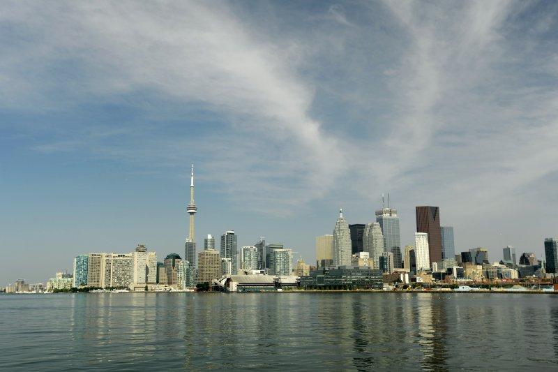 No injuries in crane collapse atop downtown Toronto condo building