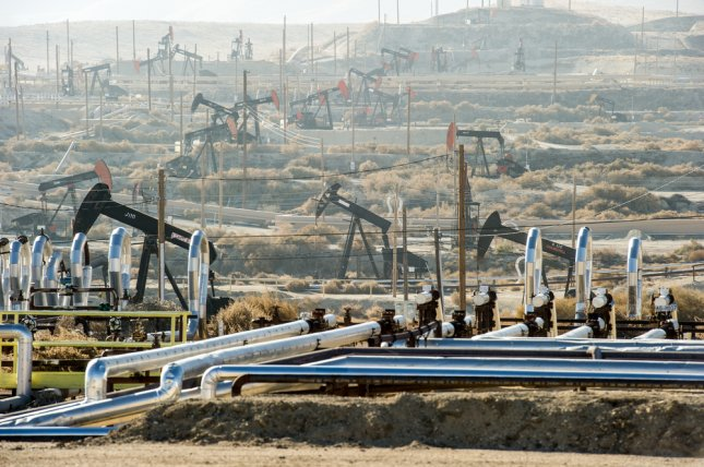 Proponents of the bill say oil extraction near residential areas like in Kern County, California, negatively affects people's lives. Photo by Christopher Halloran/Shutterstock