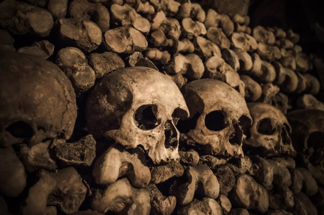 Contest offers night 39 s stay for two in paris catacombs for Overnight stay in paris