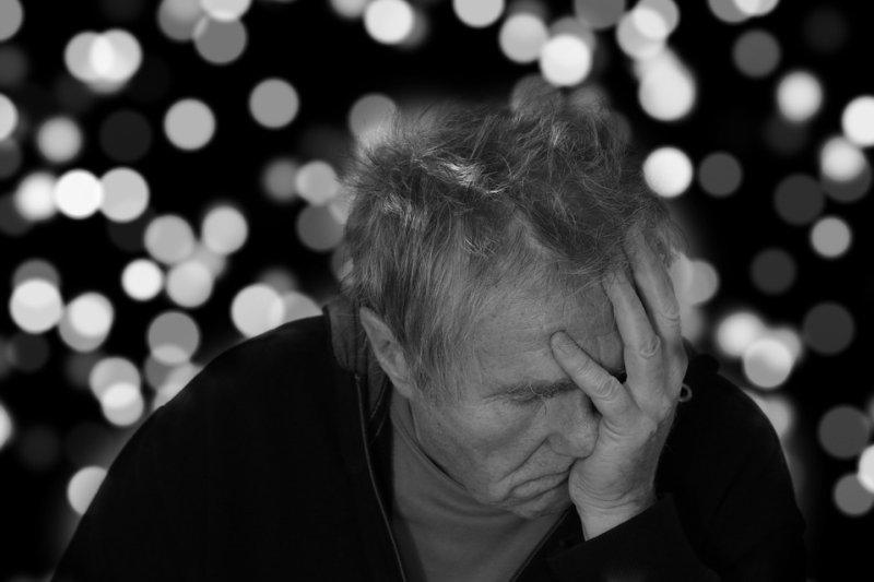 Common Alzheimer's drug doubles hospitalization risk