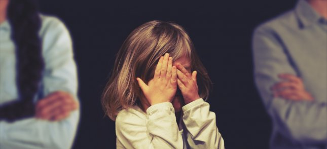 When children are caught between two bickering parents who are separating or divorced, their fears of abandonment increase -- regardless of parental relationships -- according to new research. Photo by geralt/Pixabay