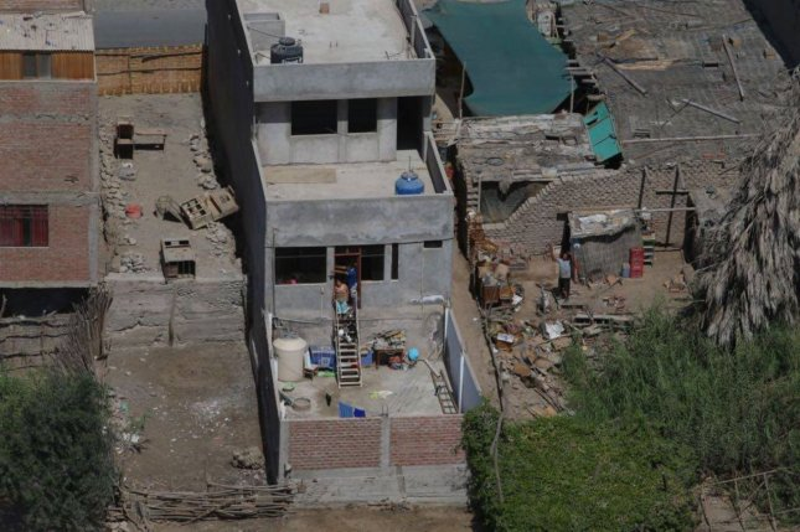 7.1-magnitude quake strikes off Peru