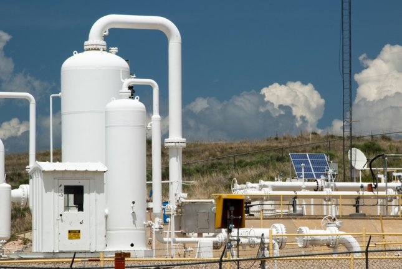 TransCanada restarts Keystone oil pipeline at reduced pressure after repairing a leak at a pump station in South Dakota. Photo by Jim Parkin/Shutterstock
