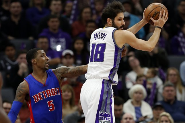 Sacramento Kings forward Omri Casspi of Israel (R) jumps up for a rebound against Detroit Pistons guard Kentavious Caldwell-Pope (L) on January 10 at the Golden 1 center in Sacramento, Calif. Photo by John G. Mabanglo/EPA