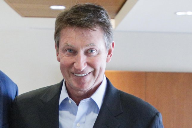 Hockey Hall of Famer Wayne Gretzky will be part of Turner Sports' new NHL broadcast team for next regular season and playoffs. Photo by Andre Forget/Andrew Scheer/Wikimedia Commons