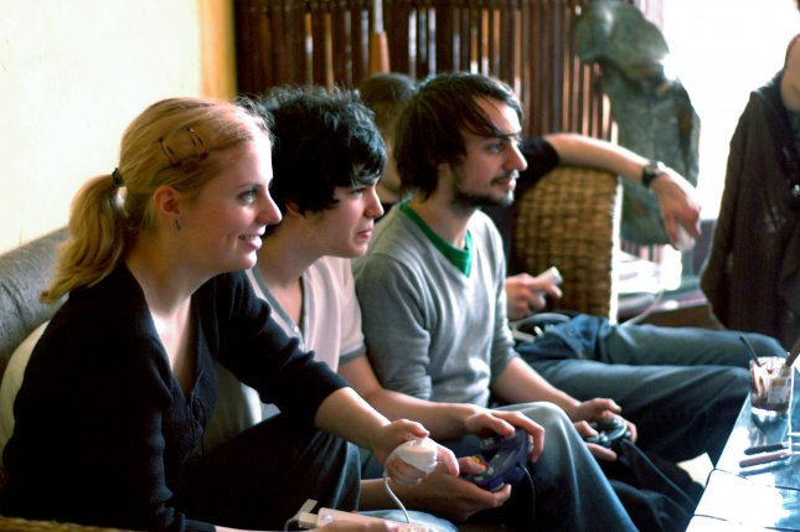 do violent video games cause behavior problems in children