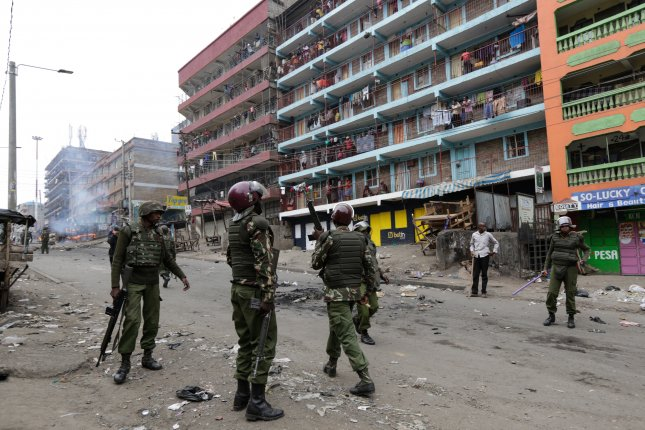 Kenyan police prepare for protests ahead of election announcement