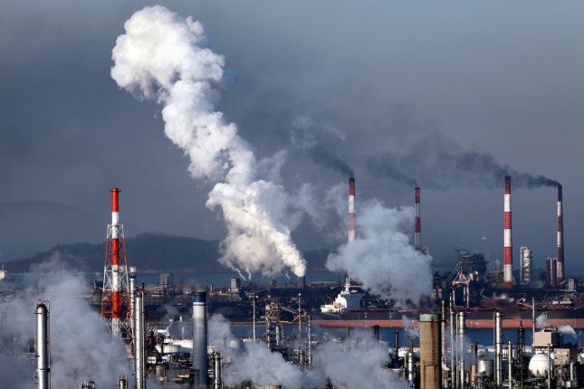 Carbon emissions stalled for the third straight year, according to a new report. Photo by akiyoko/Shutterstock.