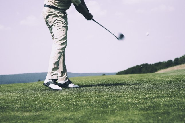 Walking the course benefits golfers with knee osteoarthritis