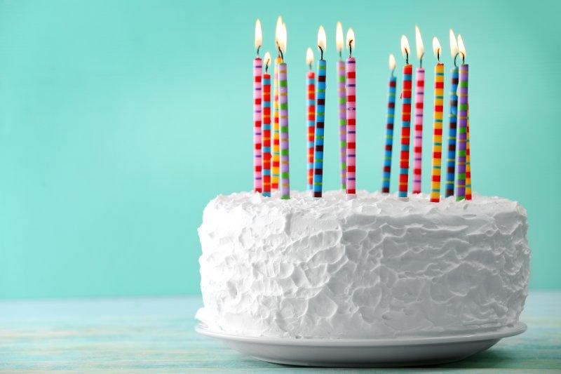 dissatisfied woman drop kicks birthday cake at supermarket upi com on batman birthday cake supermarket