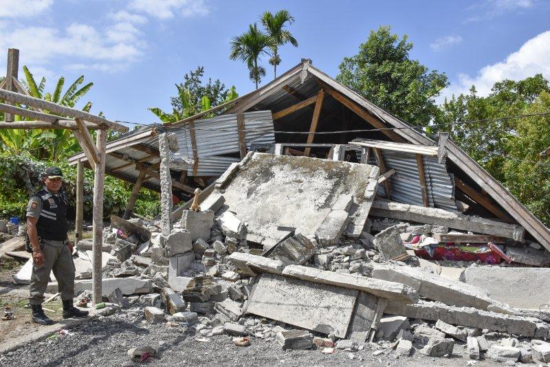 A 6.4 magnitude earthquake hit the central Indonesian island of Lombok on Sunday, destroying several buildings. Photo by Eka Ramadani/EPA