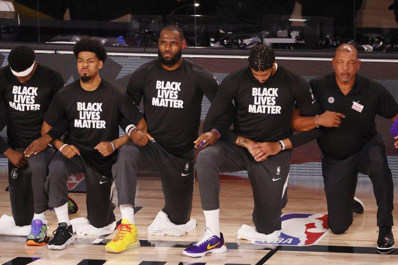 Lebron James Hopes Nba Players Made Kaepernick Proud With Anthem Kneel Upi Com